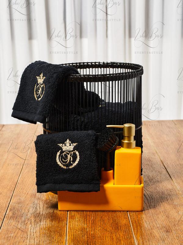 מגבת K שחורה